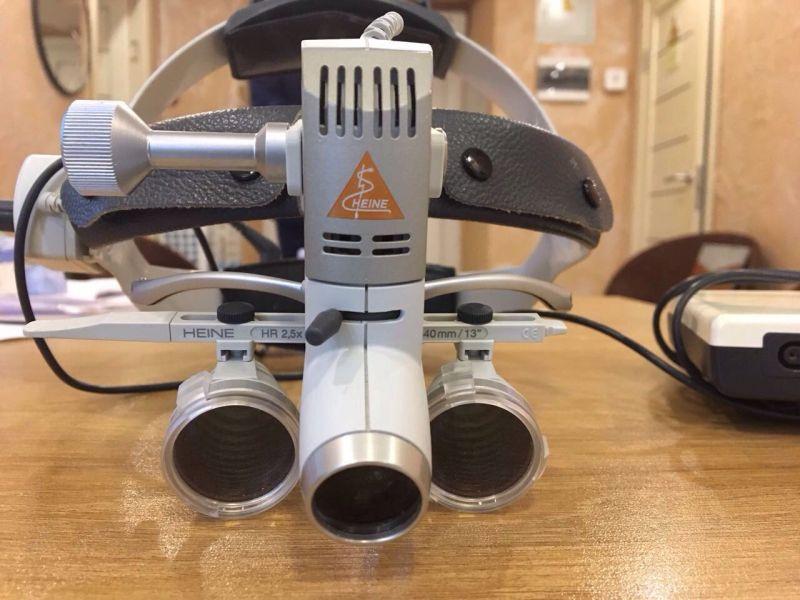 Бинокулярная  лупа Heine на шлеме рrofessional L - крепление на шлем/обруч для луп HR и HRP
