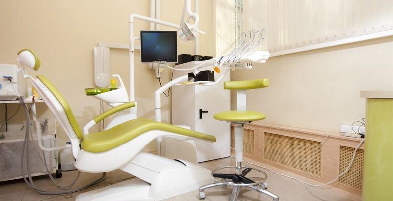 Продается стоматология на Невском с помещением в собственности