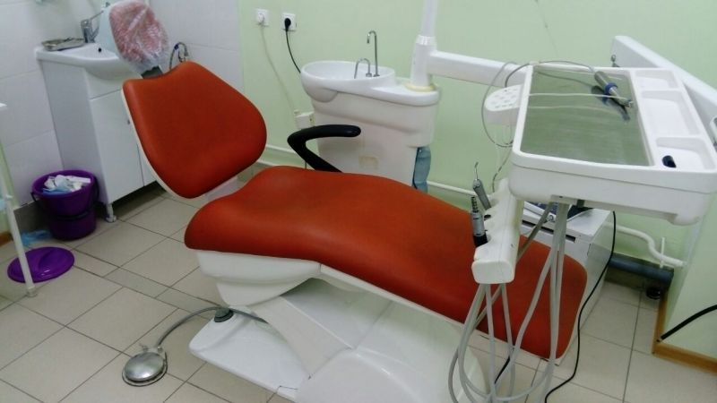 Стоматологическое кресло + компрессор
