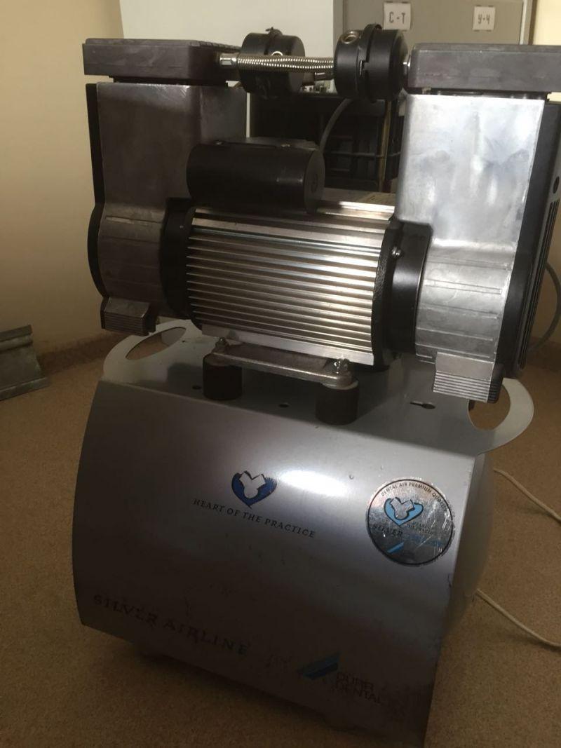 Компрессор стоматологический с осушителем воздуха