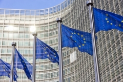 Новый проект закона от ЕС: изменения в классификации стоматологических материалов