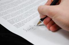 Законопроекты Минздрава РФ: Порядок ознакомления пациентов с медицинской документацией вступает в силу с 27 ноября 2016 года